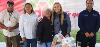 Beneficia Alma Laura Amparán a más de 8 mil abuelitos con entrega de despensas