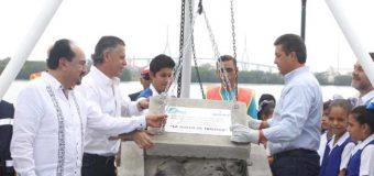 Gobernador coloca primera piedra de Rueda de la Fortuna en Tampico