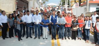 Chucho Nader inauguró la pavimentación de la calle Valentín Gómez Farías
