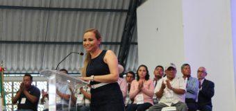 EMOTIVO DISCURSO DIO LA ALCALDESA ROSALIA ALVAREZ MUÑOZ AL RENDIR SU 2o INFORME DE LABORES,MULTITUDINARIO  Y ALEGRE FESTEJO EN TANTIMA.