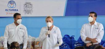 Atiende Alma Laura Amparán necesidades de jefas de familia