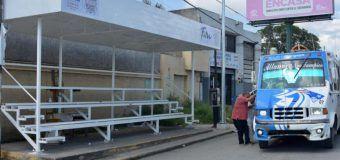 Instala Gobierno de Altamira paraderos del transporte público en la avenida de la Industria