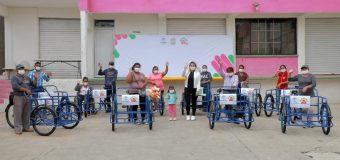 Apoya DIF Altamira a emprendedores locales con entrega de triciclos